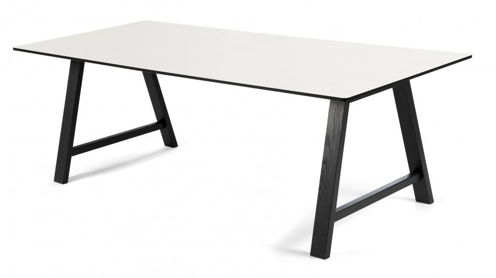 Andersen Furniture - T1 Spisebord m. Uttrekk og svarte ben - 180cm