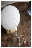 Halo Design TWIST Bordlampe, Opal, antikk messing