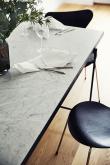 HANDVÄRK - Spisebord - Hvit Marmor m/svart ramme - 96x230